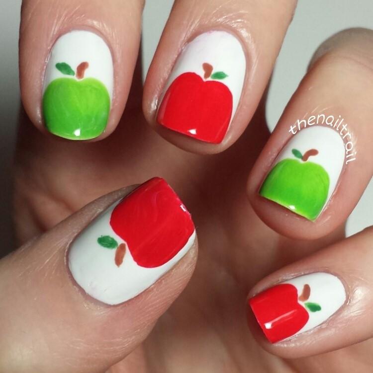Nail Art Apple